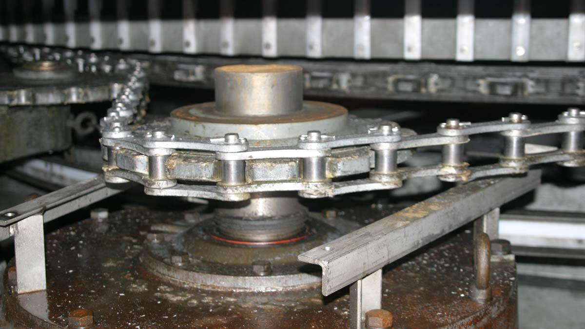 Chain Lubrication Best Practices For Drives And Conveyors
