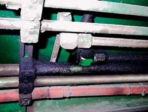 用于新能源汽車玻璃鋼轉向柱橫梁液壓機無洩漏液壓管道的連接器