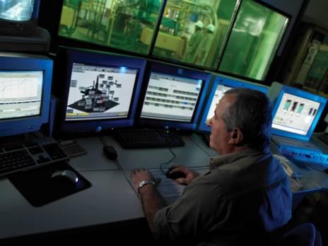 http://www.emersonprocess.com/home/news/resources/images/petrobras_controlroom_hires.jpg
