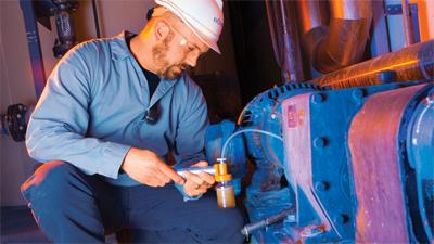 Extending Equipment Life with Cleaner Oil