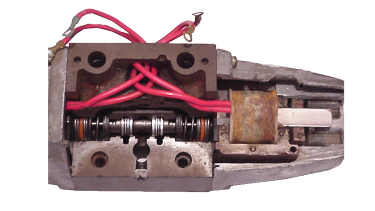 How Directional Valves Affect Oil Flow in Hydraulic Systems