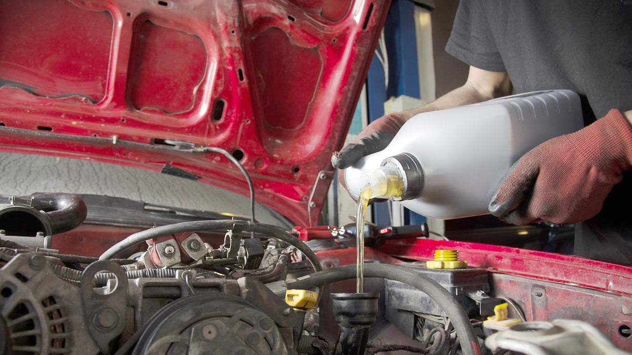 When Is the Best Time to Change Your Oil?