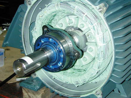 Lubricating electric motors for Electric motor oil lubrication