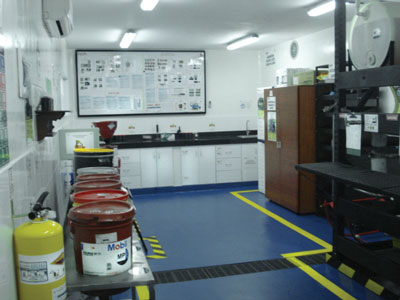 After strategic improvements were made, the new lube room at Cerveceria Bucaramanga in Colombia includes a used oil storage area and dedicated filters for intermediate oil containers.